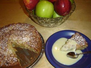 Äppelkaka med mandelsmak