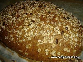 Havrebröd med krossad linfrö