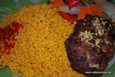 Marockansk couscous med kebabbiff