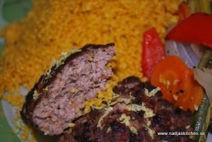 Kebabbiff med marockansk couscous