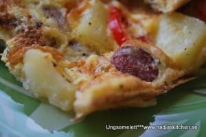 Ugnsomelettmed grönsaker, kabanoss, potatis