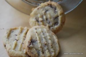 Gaffelkakor med hasselnötter och choklad