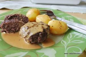 Persiljebiffar med kokt potatis och gräddsås