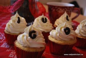 Saffranscupcakes med vit chokladgrädde