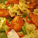 Kycklingsallad med grön pestopasta