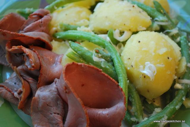 Grön potatissallad med rostbiff