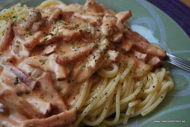 Spagetti med supergod kasslersås