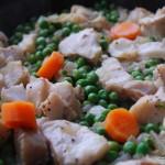 Fisk med vitt vin och gröna ärter