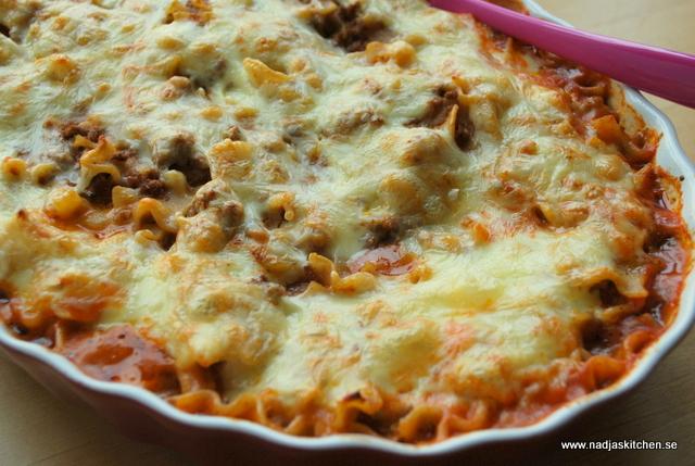 färsk pasta med rökt lax