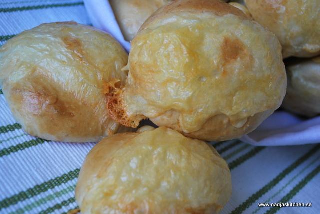 Ostfrallor - matbröd - ost