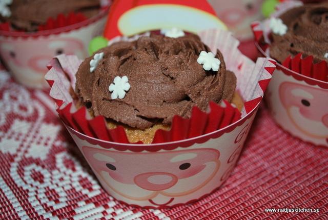 Pepparkaksmuffins med chokladfrosting - muffins - propoints - baka med viktväktarna - viktväktarrecept - nadjaskitchen - nadjas kitchen - muffins - pepparkaka - tomte - julbaka