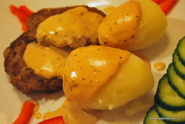 Örtiga färsbiffar med gräddsås - kokt potatis-nadjaskitchen.se-matblogg-vvtillsammans-propoints-viktväktarna