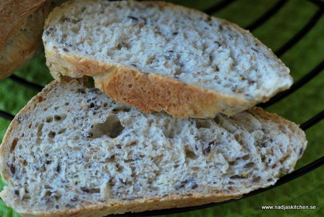 Havrebröd med linfrö-vvtillsammans-propoints-linfrö-havre-matbröd-hembakat-propoints-viktväktarna