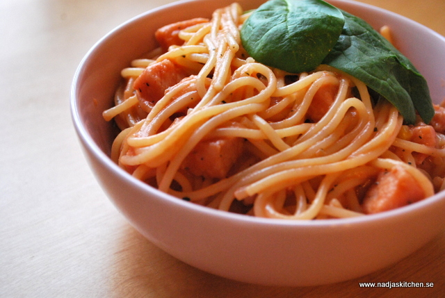 God tomatsås med kassler-vvsmartmat-vvtillsammans-viktväktarna-smartpoints