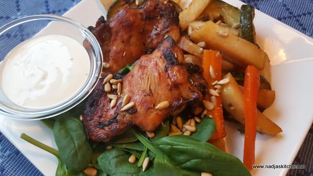grönsaksplåt med marinerad kyckling och sval citronsås-vvsmartmat-matkasse-hemköp-viktväktarna