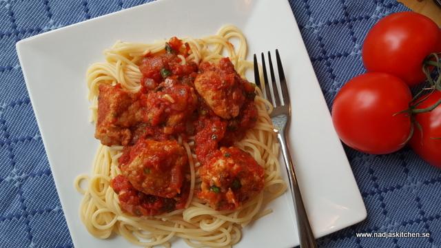 Kycklingköttbullar med tomatsås-vvsmartmat-smartpoints-viktväktarna-weight watchers-kyckling-kycklingfärs-nadjaskitchen.se-